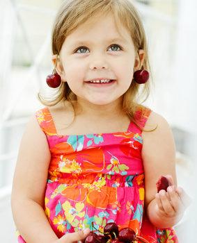 5 причин, почему не стоит прокалывать уши ребёнку